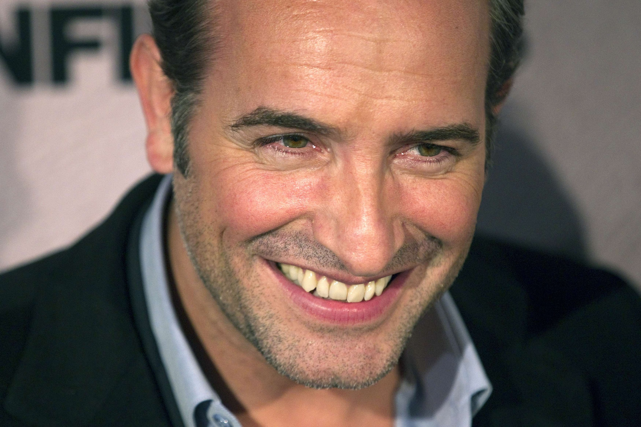 Jean dujardin wallpapers images photos pictures backgrounds for Jean dujardin photo