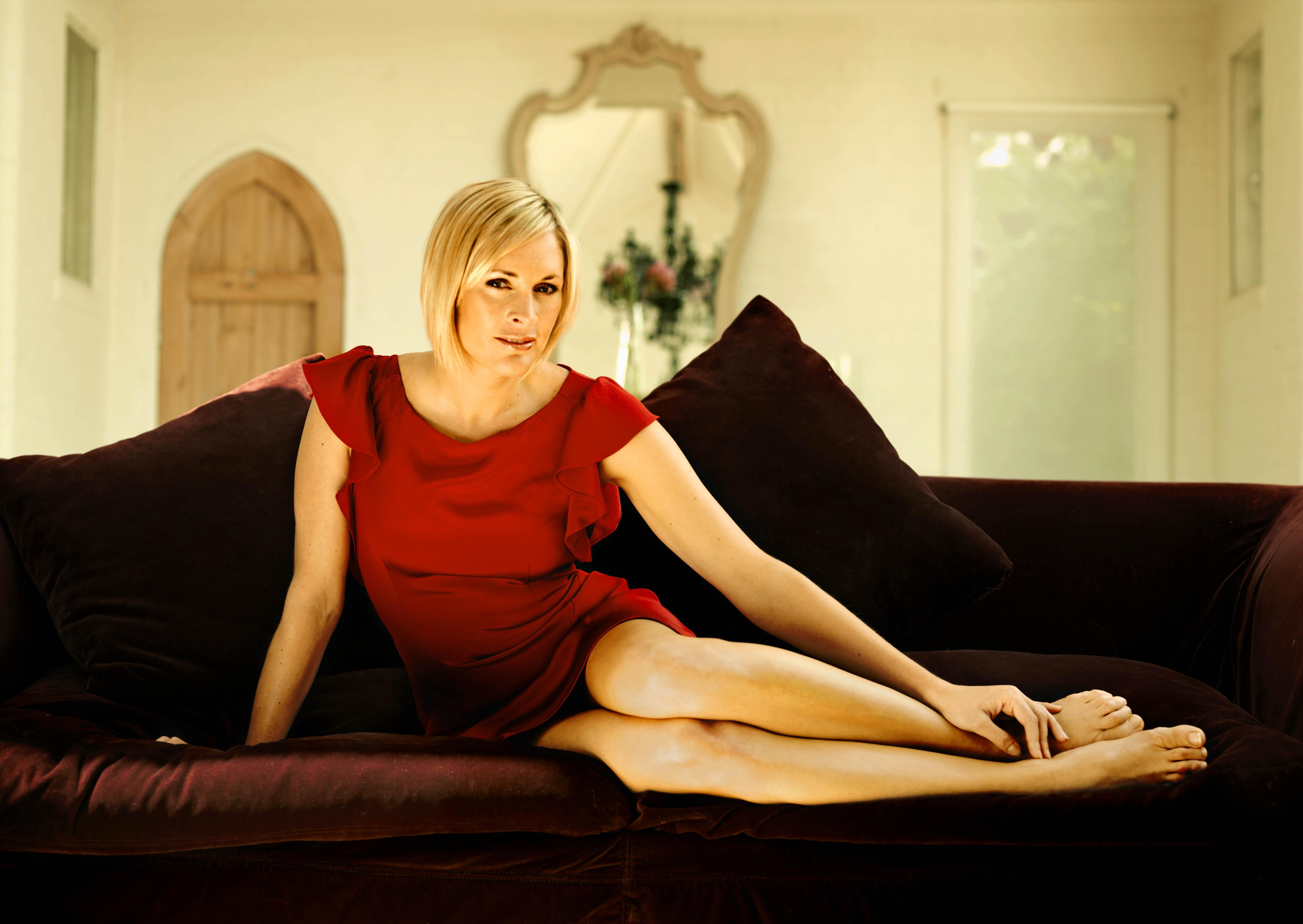Jenni Falconer Wallpapers Images Photos Pictures Backgrounds