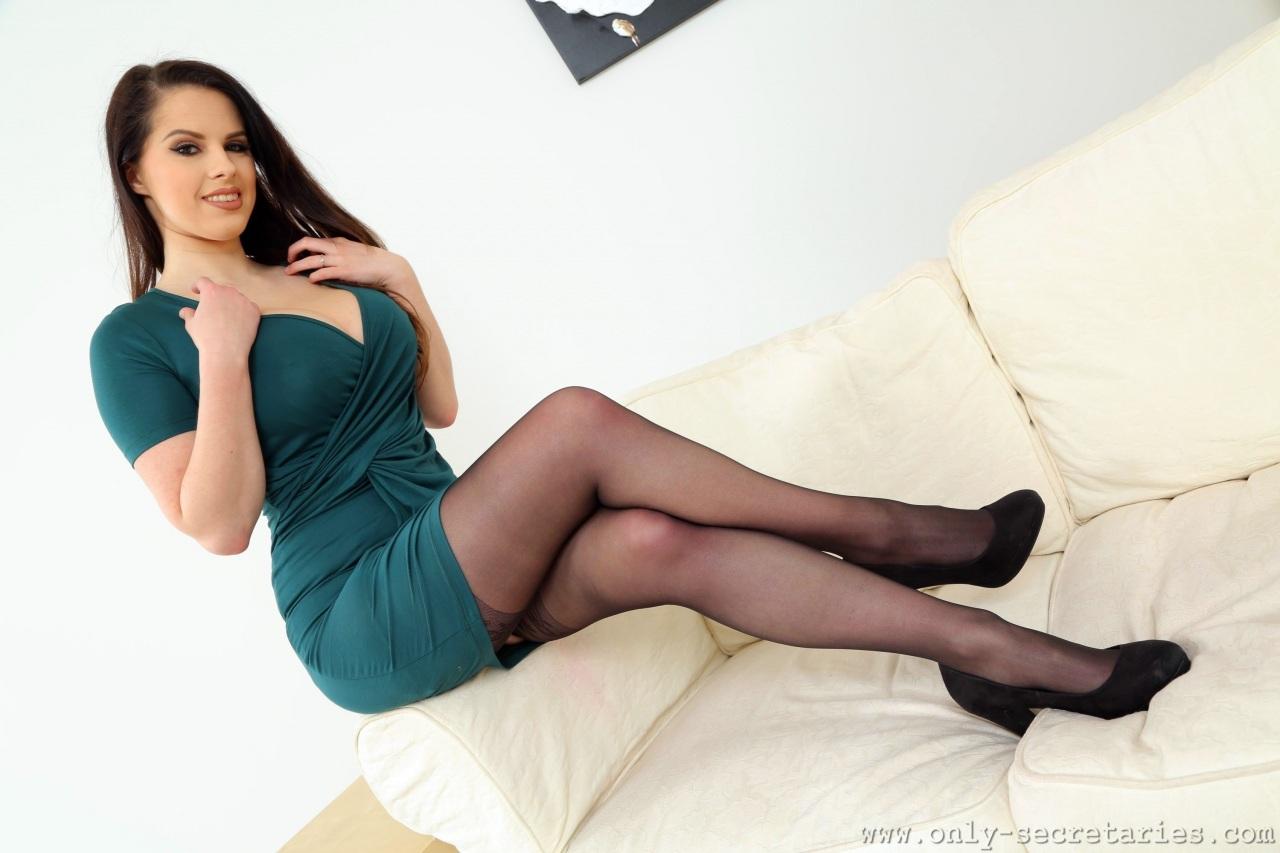 Livian Aragao Nude Photos 17