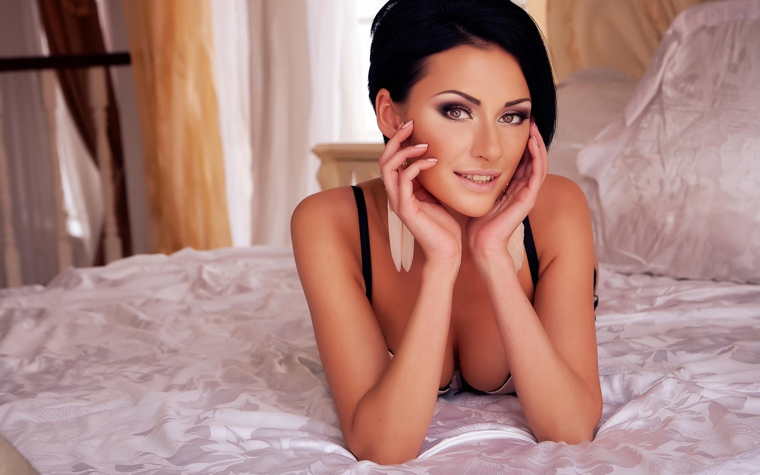 Julia Androschuk Photos