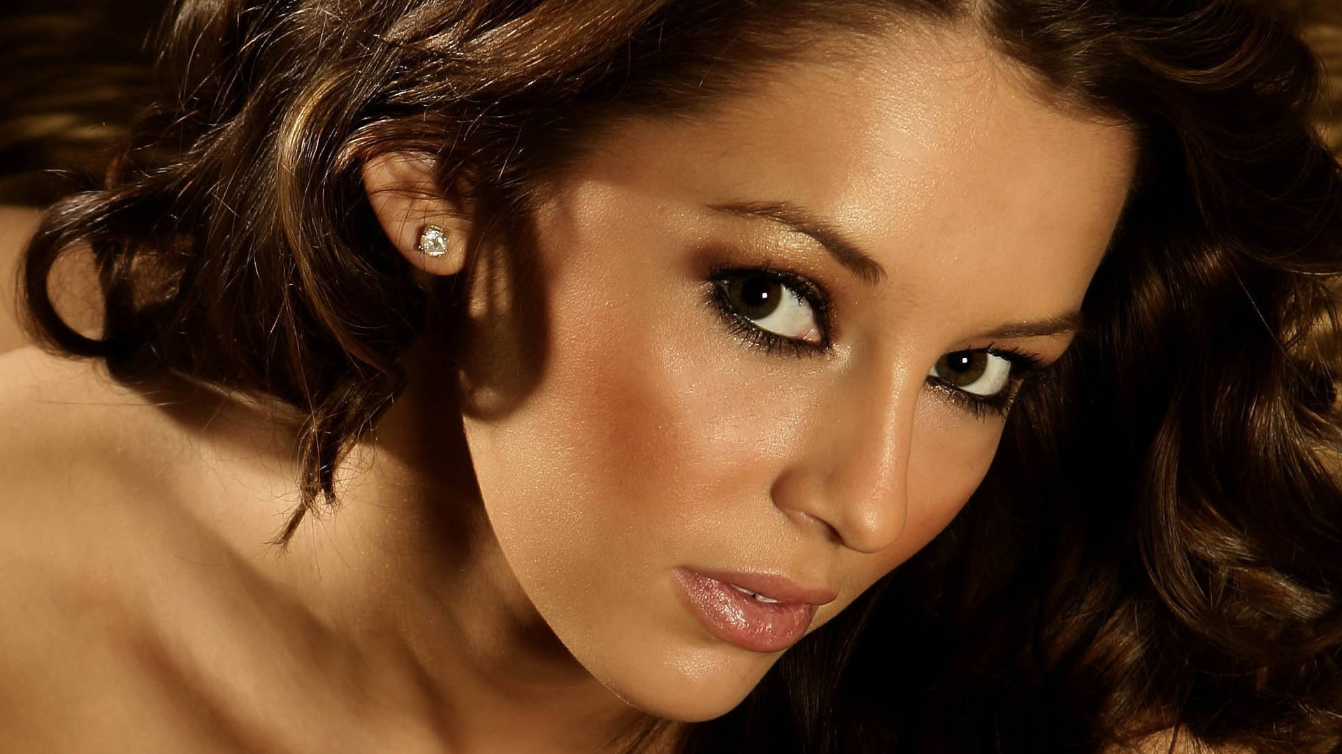 Keeley Hazell Makeup
