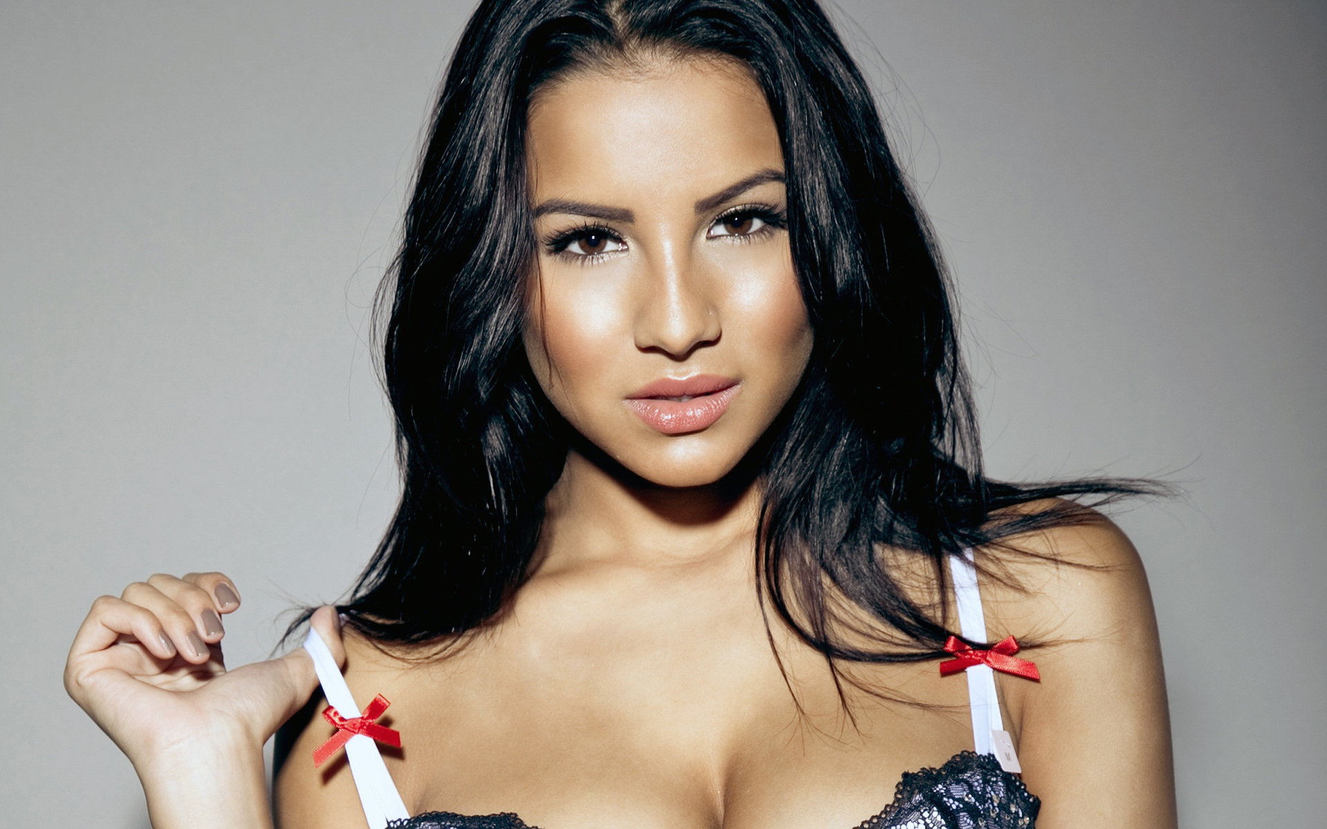 Lacey Banghard Images