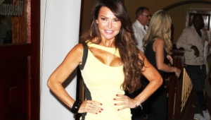 Lizzie Cundy Background
