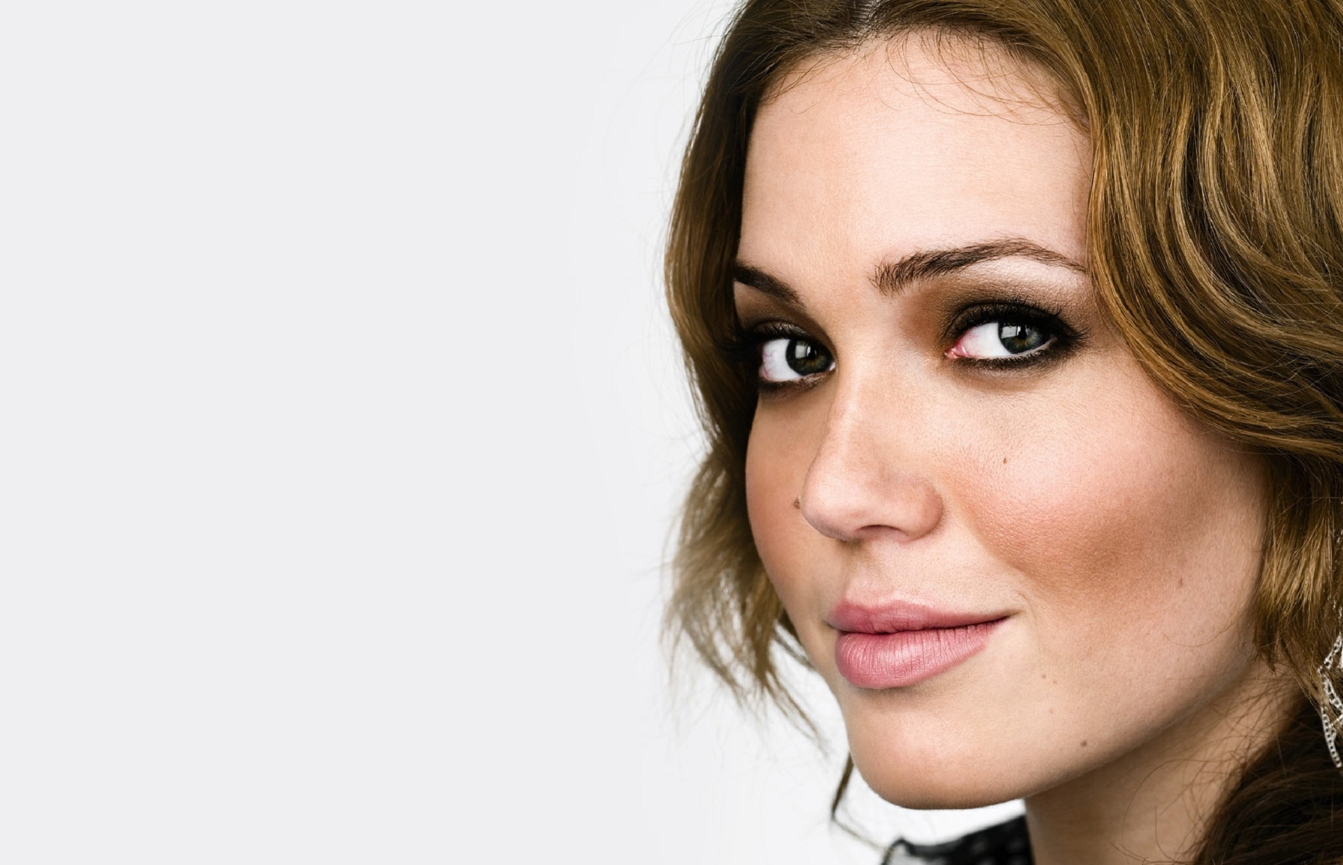 mandy moore Check out mandy moore by mandy moore on amazon music stream ad-free or purchase cd's and mp3s now on amazoncom.