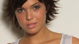 Mandy Moore Wallpaper For Laptop