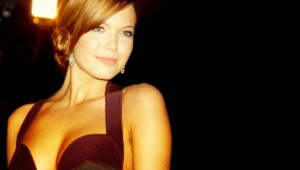 Mandy Moore Full Hd