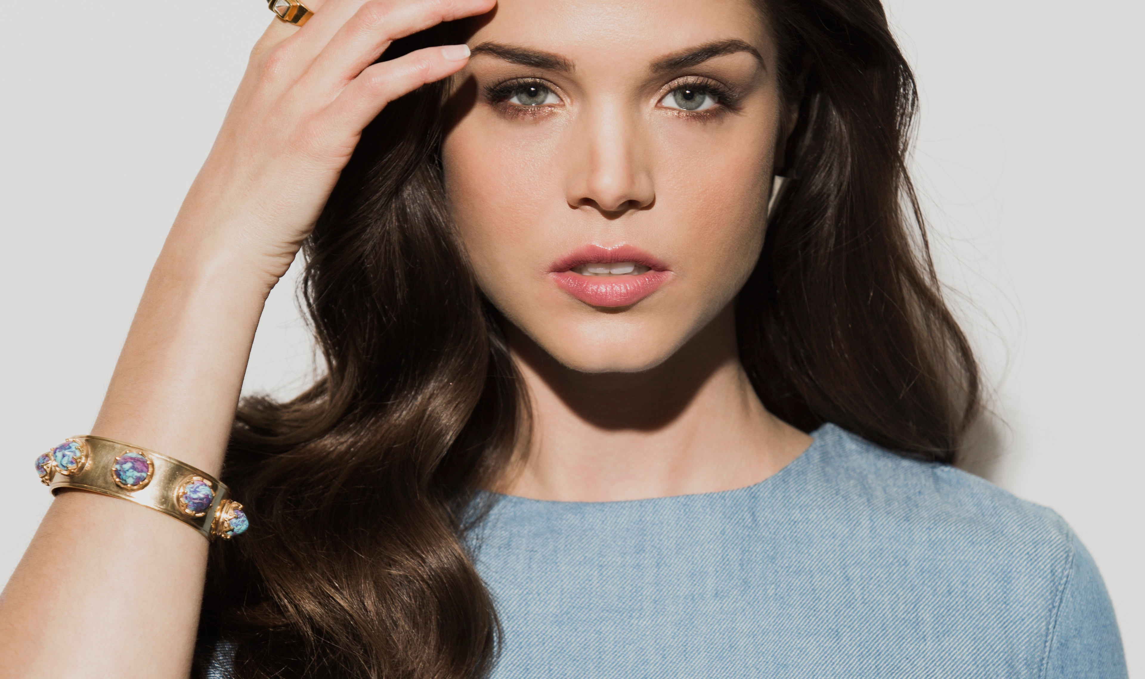 Marie Avgeropoulos Wal...