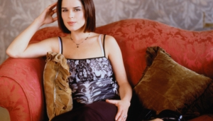 Neve Campbell For Desktop