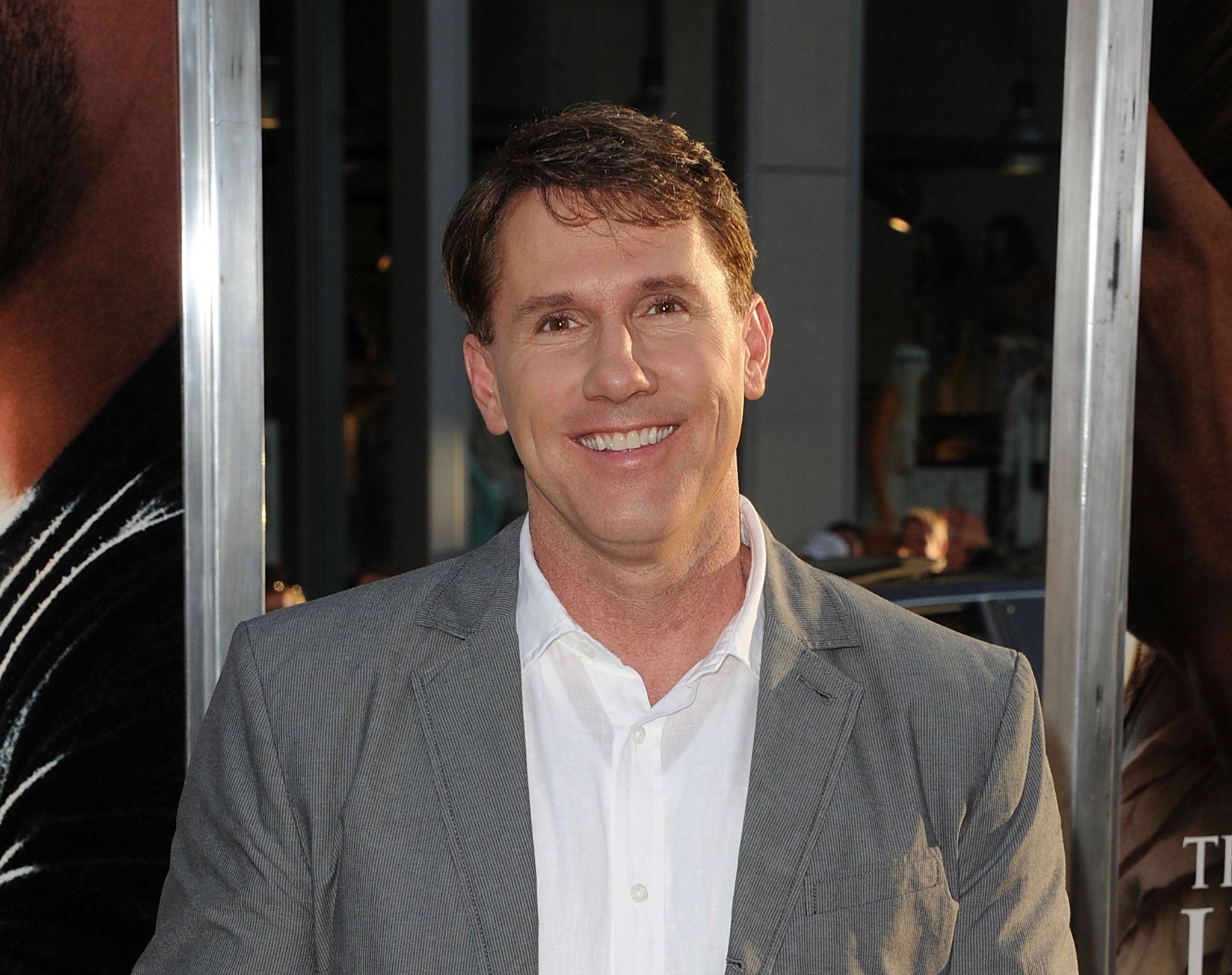 nicholas sparks biography essay Nicholas sparks biography: nicholas sparks is one of the world's most beloved storytellers all of his books have been new york times bestsellers,.
