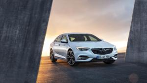 Opel Insignia Photos
