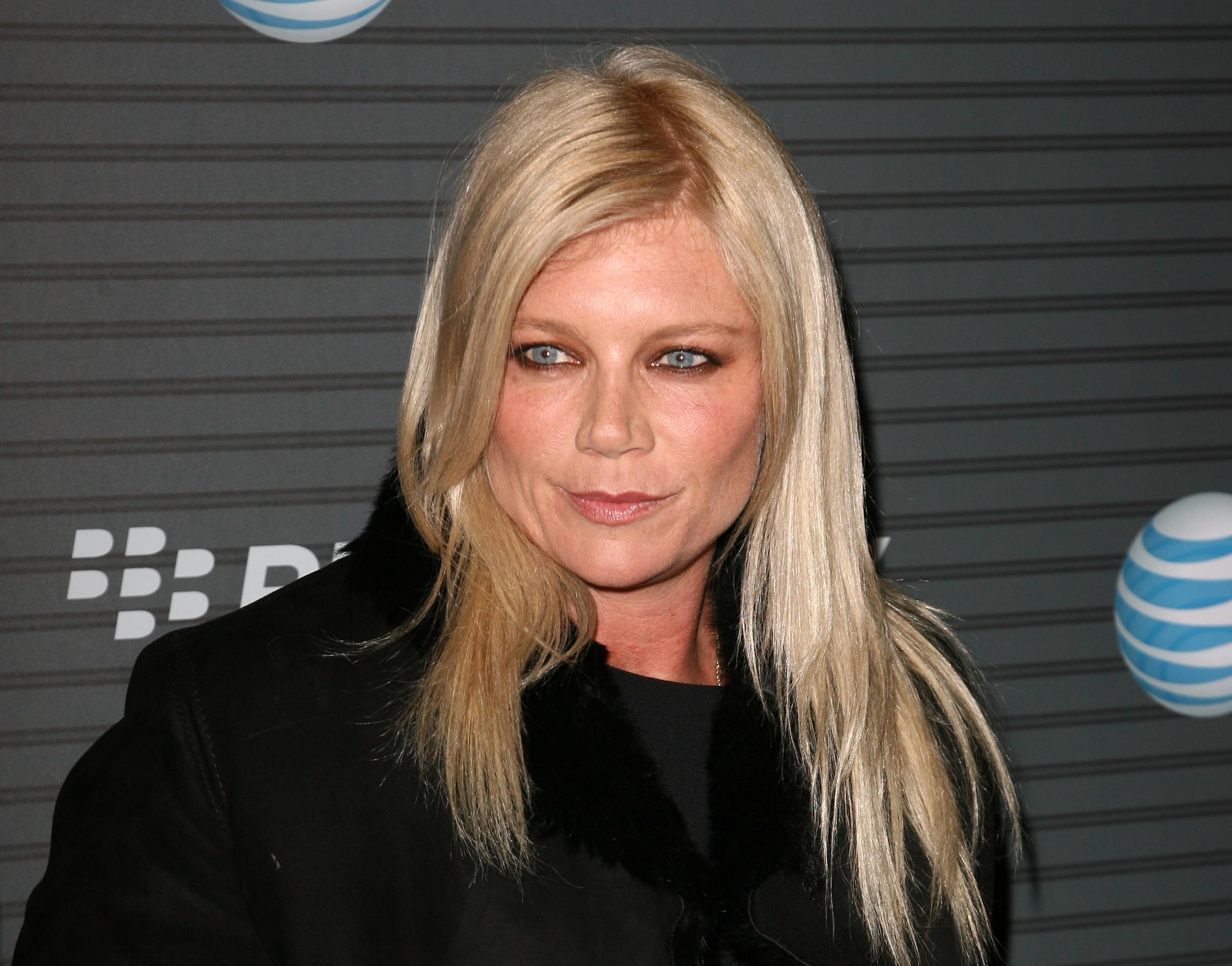 Peta Wilson Wallpapers Images Photos Pictures Backgrounds