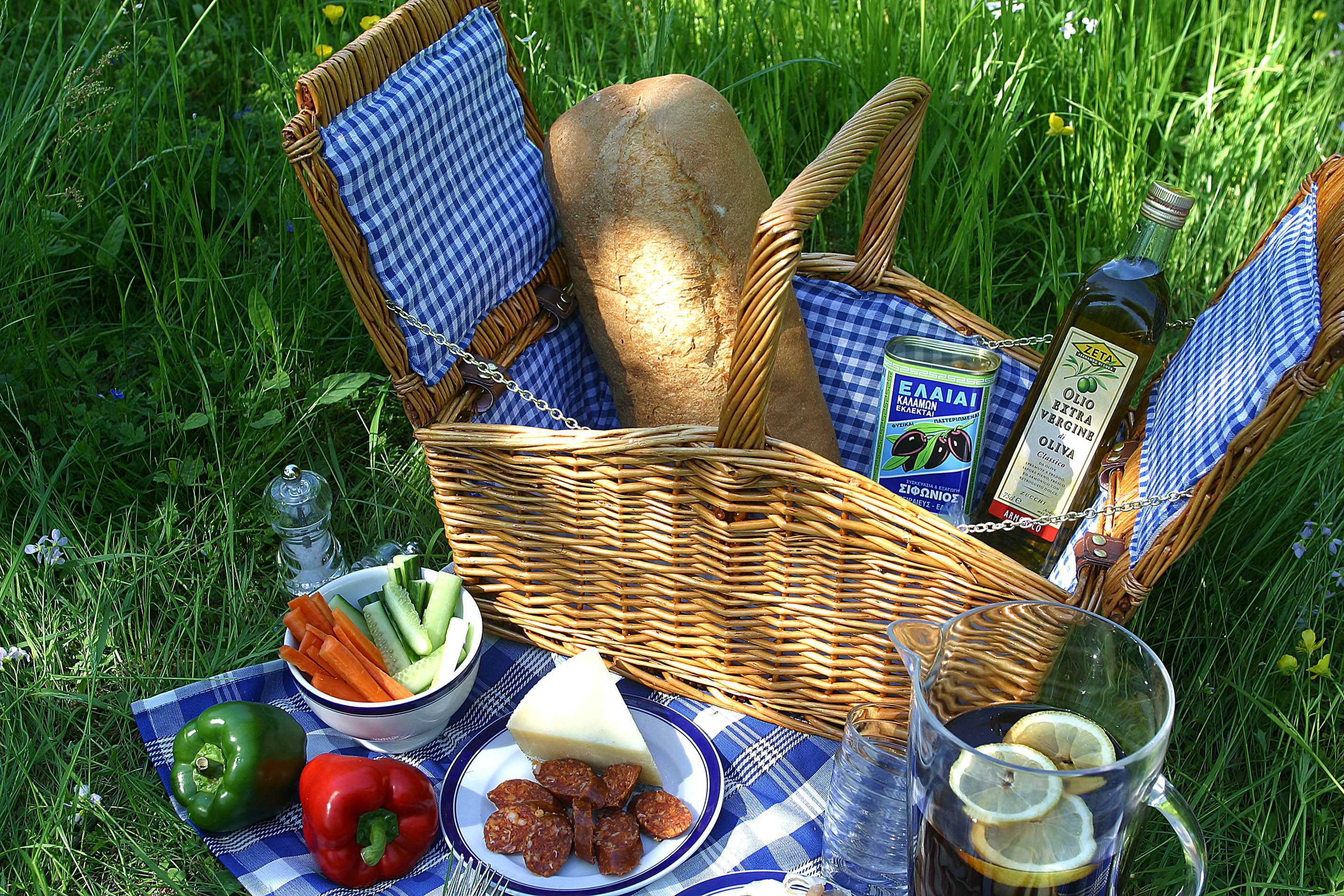 Picnic wallpapers images photos pictures backgrounds for Picnic food ideas for large groups