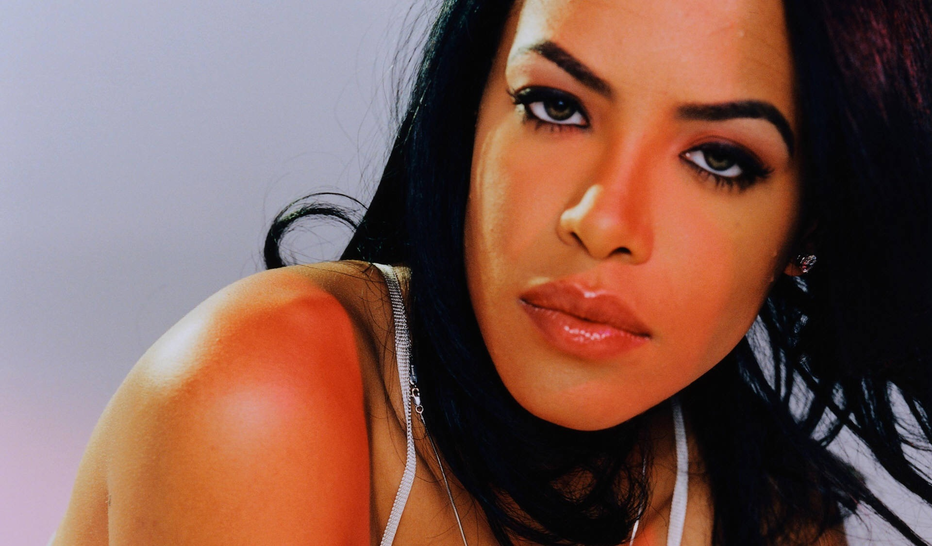 aaliyah wallpapers images photos pictures backgrounds