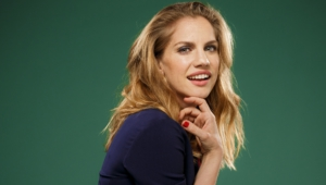 Anna Chlumsky Full Hd