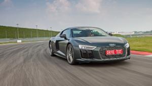 Audi R8 V10 Photos