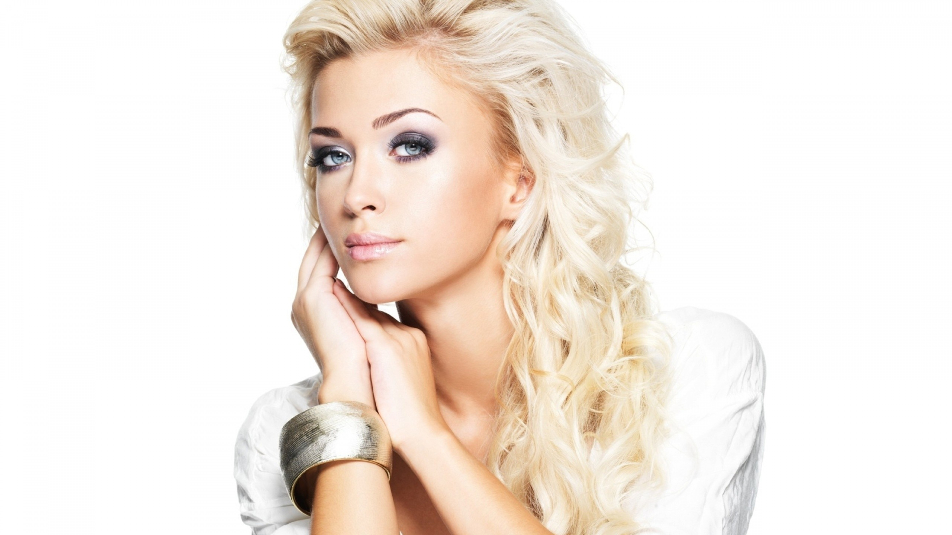 Beautiful Blondes Wallpapers Images Photos Pictures ...