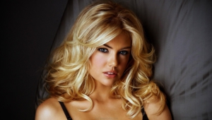 Beautiful Blondes Full Hd