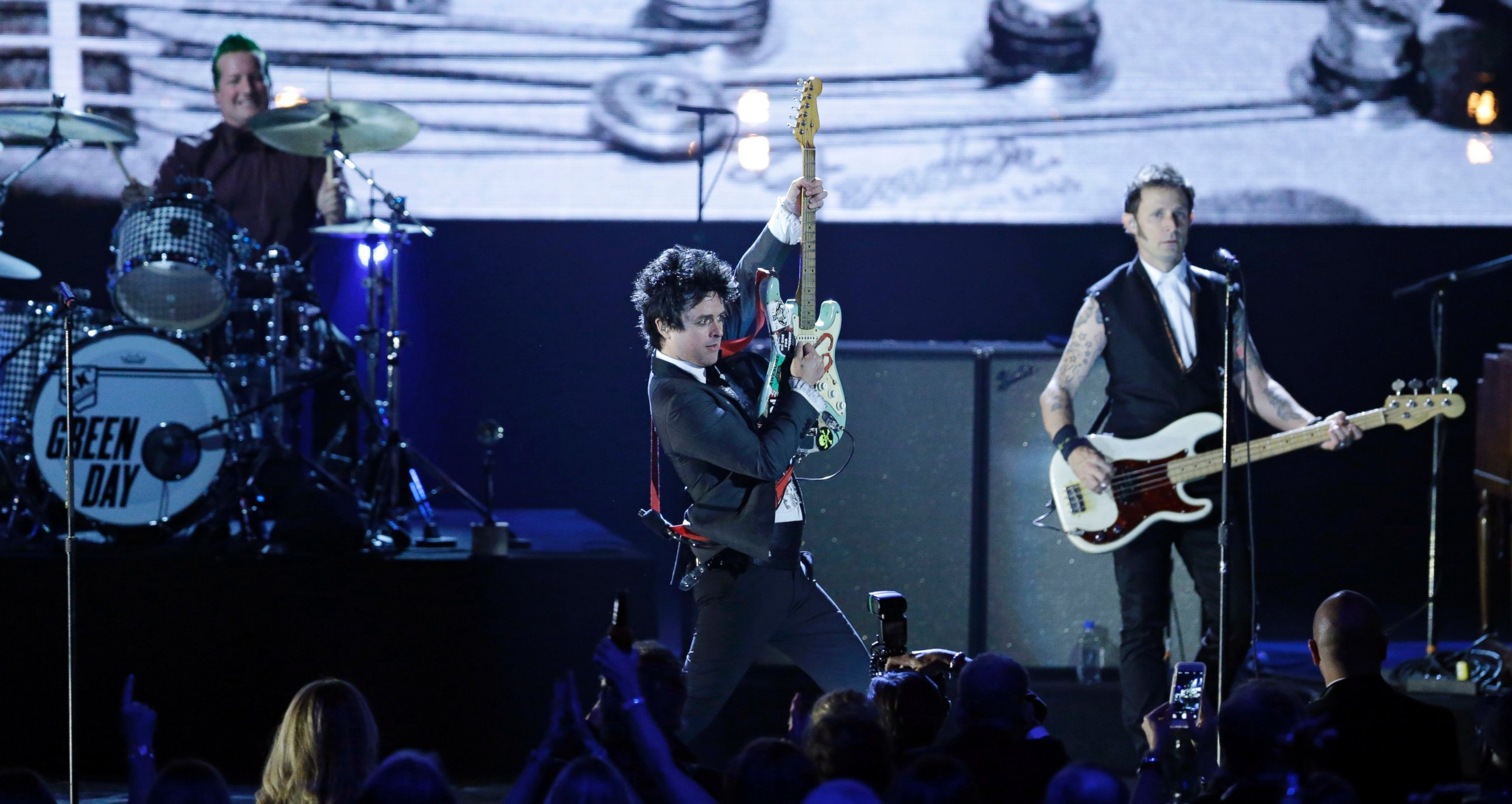 billie joe armstrong wallpapers images photos pictures backgrounds