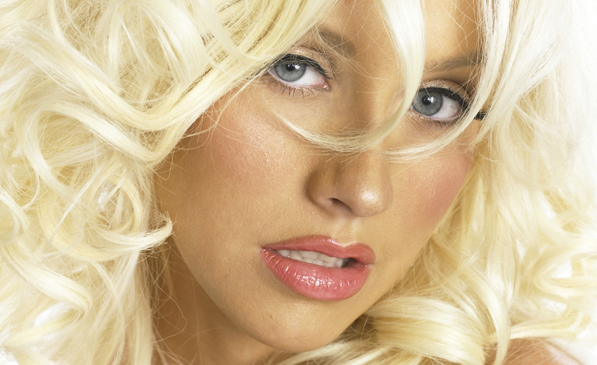 blond.фото christina