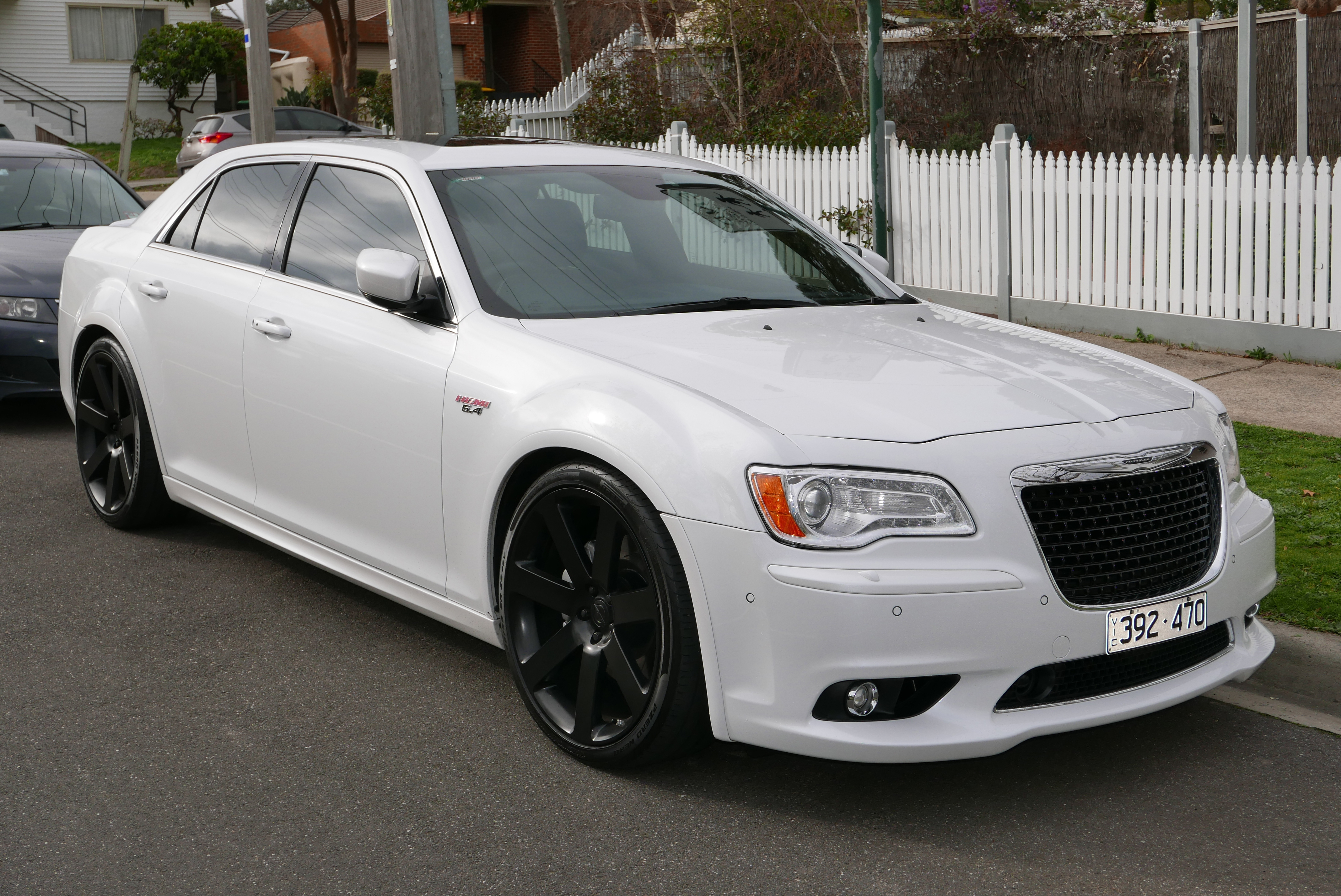 chrysler 300 wallpapers images photos pictures backgrounds. Black Bedroom Furniture Sets. Home Design Ideas