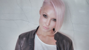 Emma Hewitt Photos