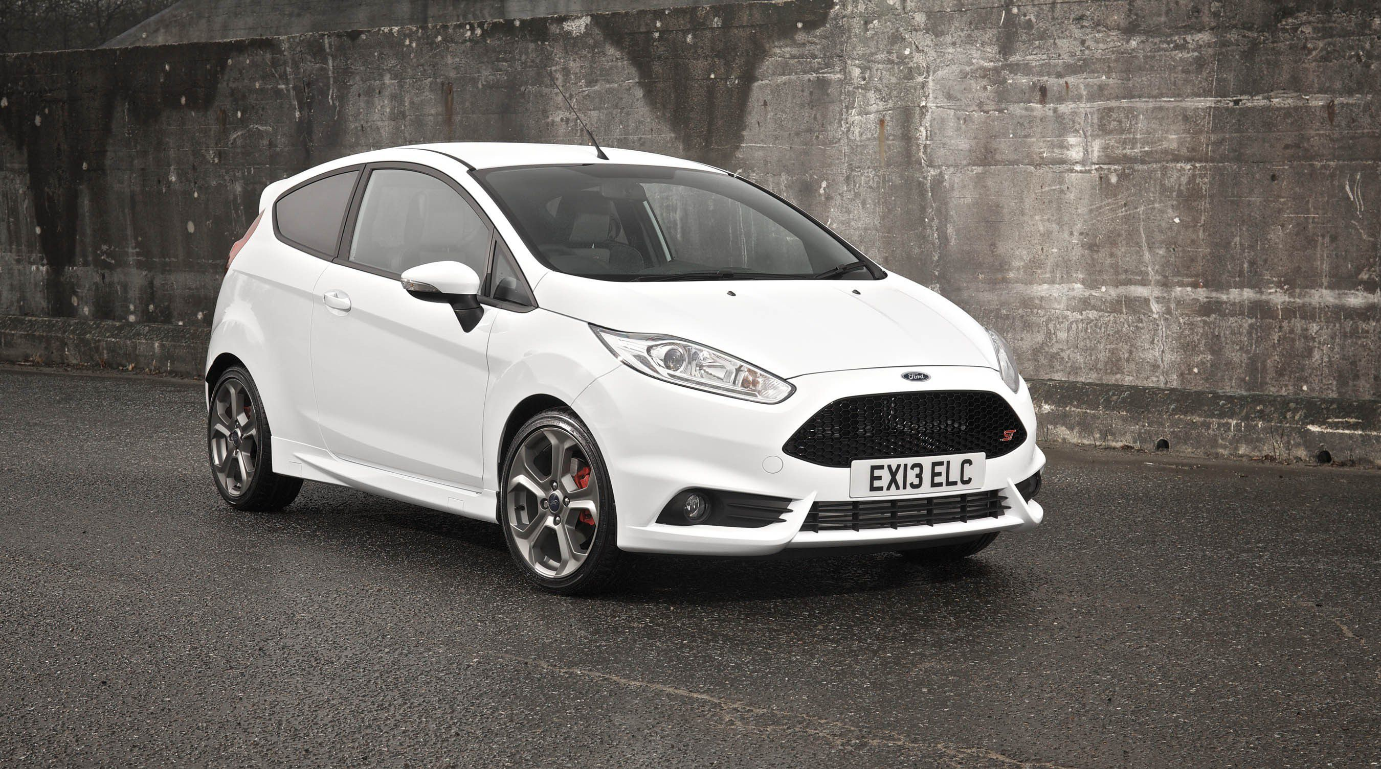 Ford Fiesta St Wallpapers Images Photos Pictures Backgrounds