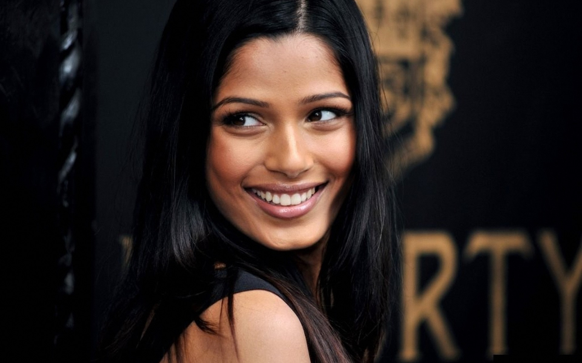Freida Pinto Wallpapers Images Photos Pictures Backgrounds Freida Pinto