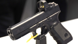 Glock 17 Gen 4 4k