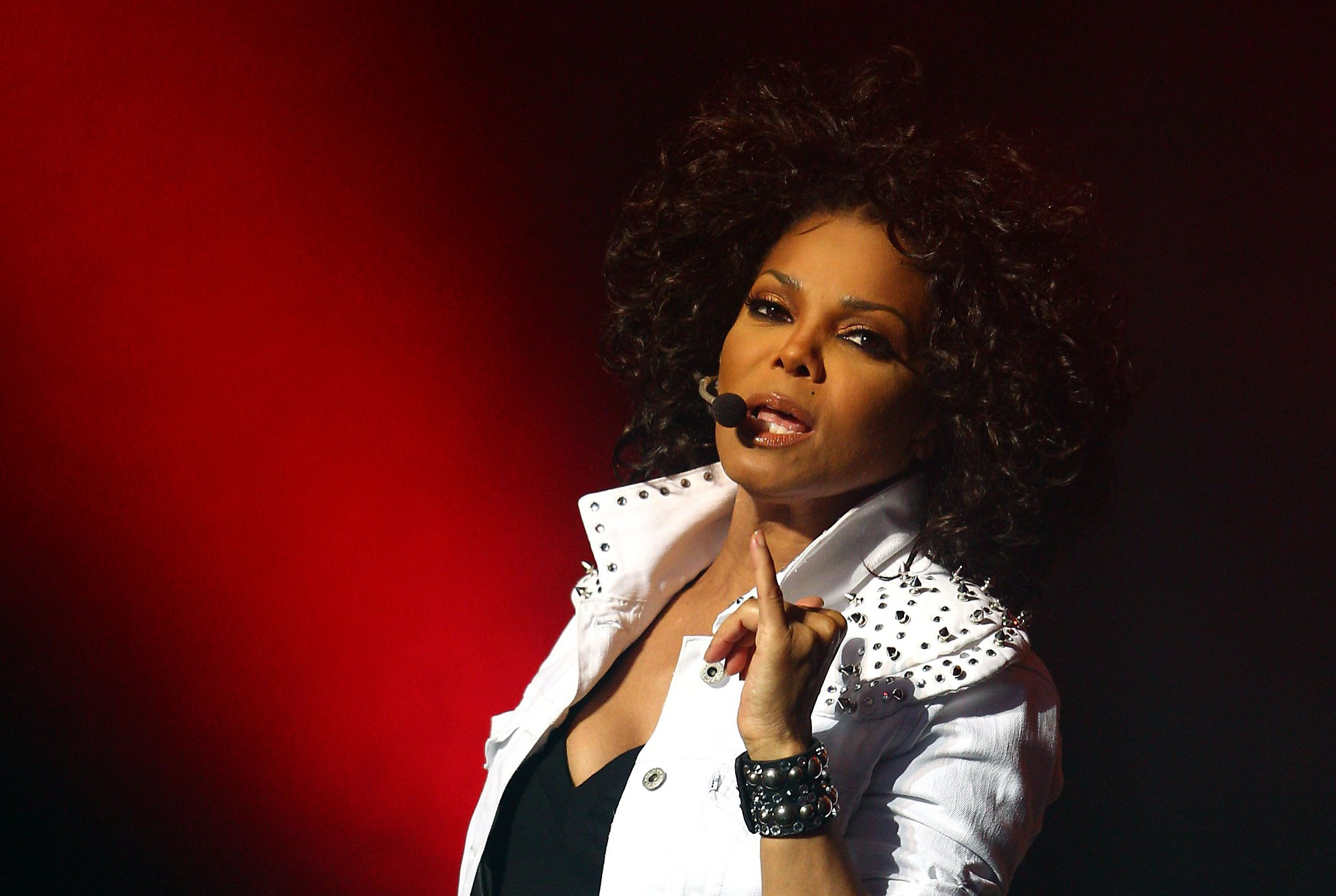 MEET JANETS DANCERS!  Janet     Janet Jackson