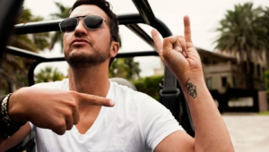 Luke Bryan Widescreen