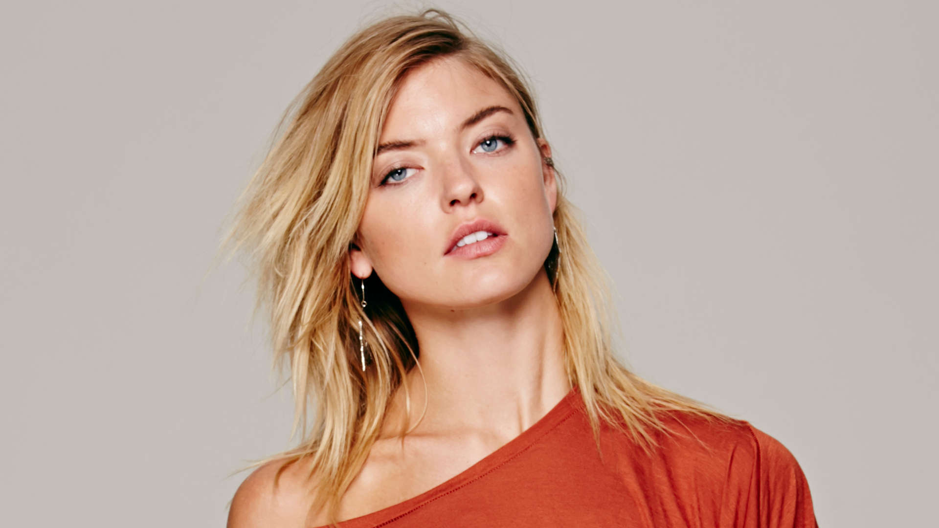 Martha Hunt Wallpapers Images Photos Pictures Backgrounds