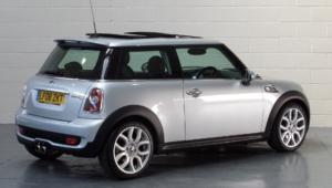Mini Hatch 4k