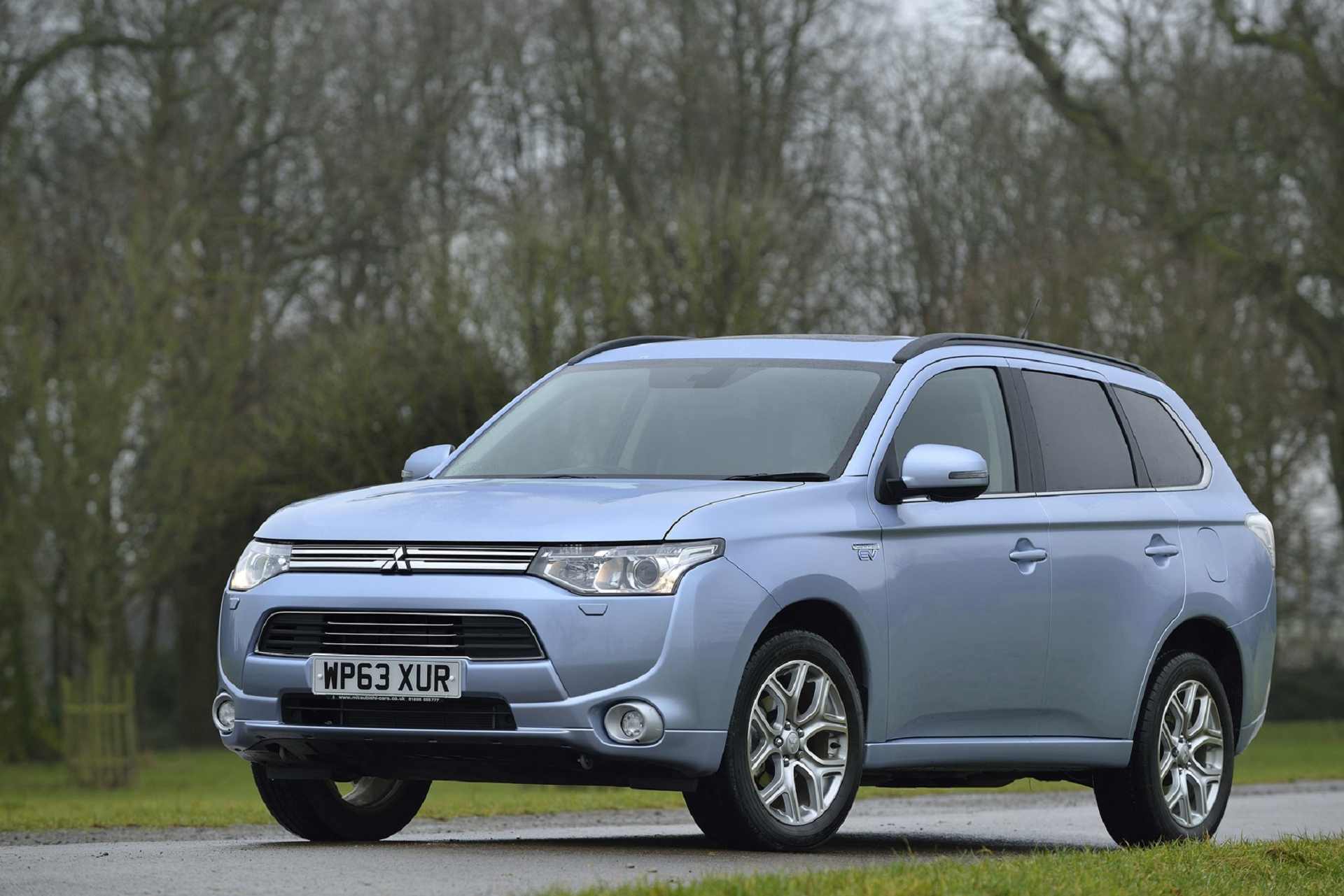mitsubishi outlander phev wallpapers images photos