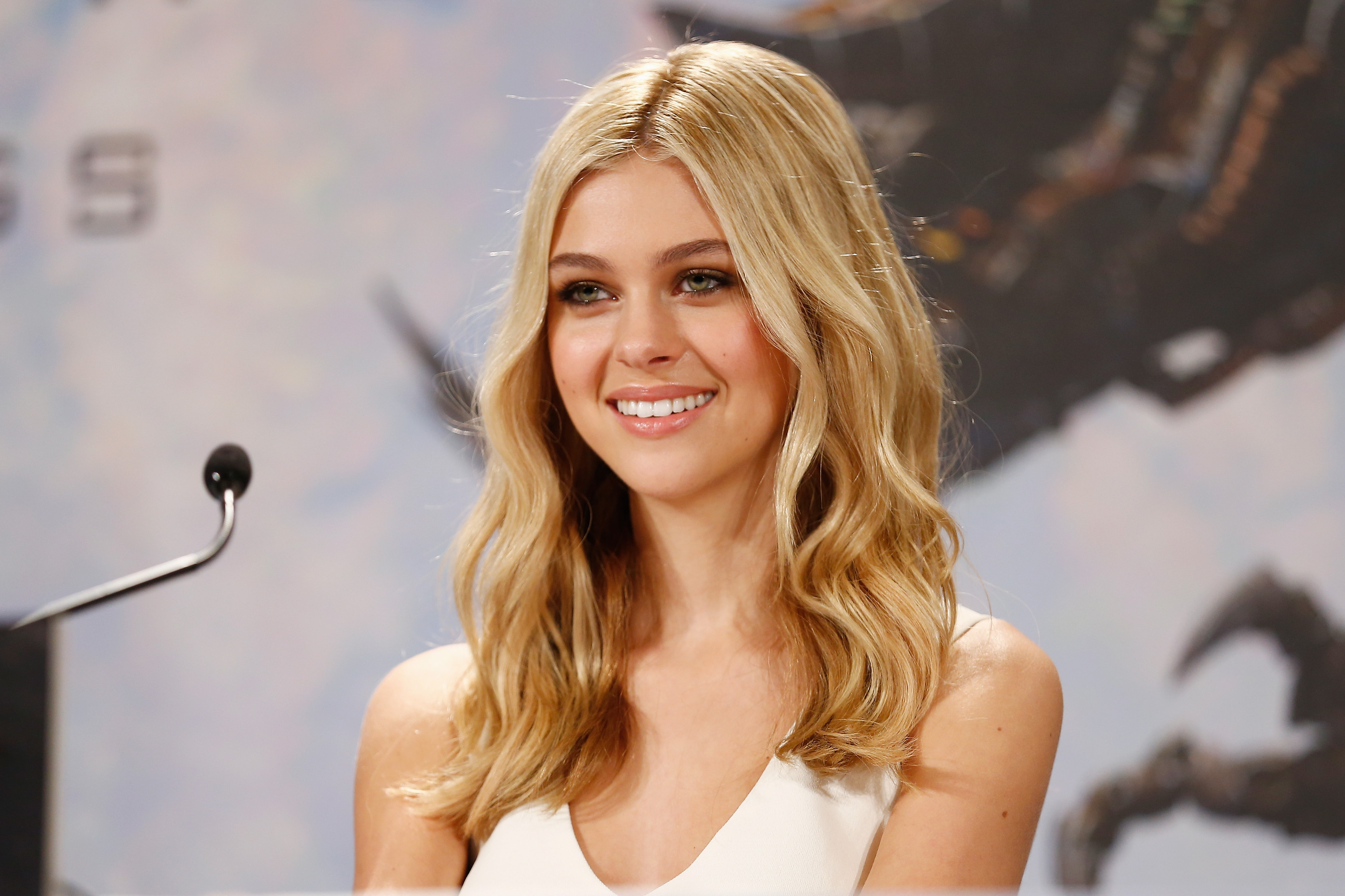 nicola peltz wallpapers images photos pictures backgrounds. Black Bedroom Furniture Sets. Home Design Ideas