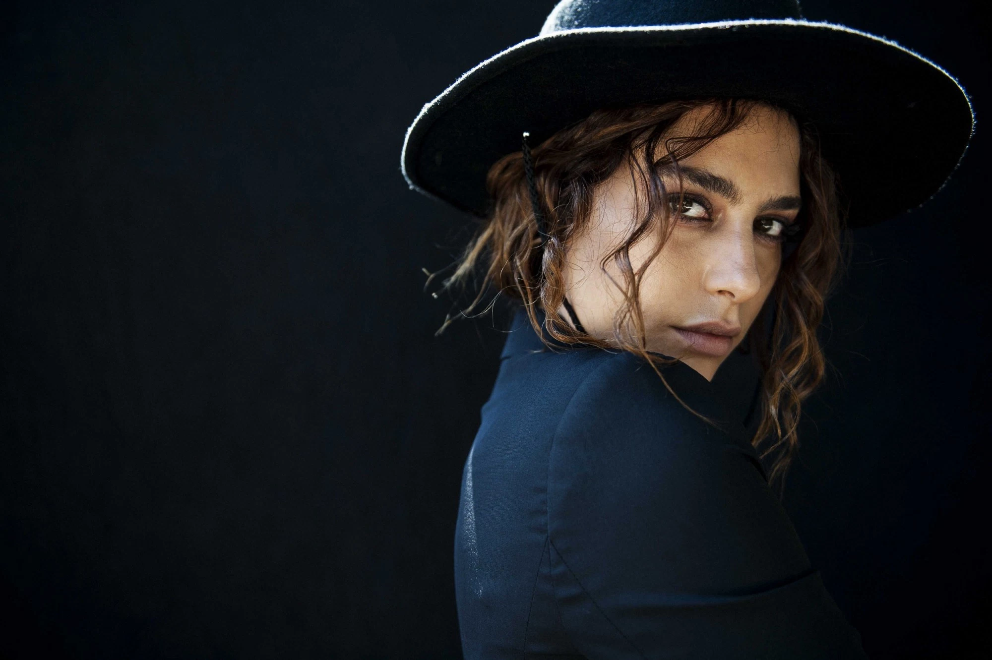 Nadia Hilker Wallpapers Images Photos Pictures Backgrounds