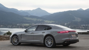 Porsche Panamera Hd Background