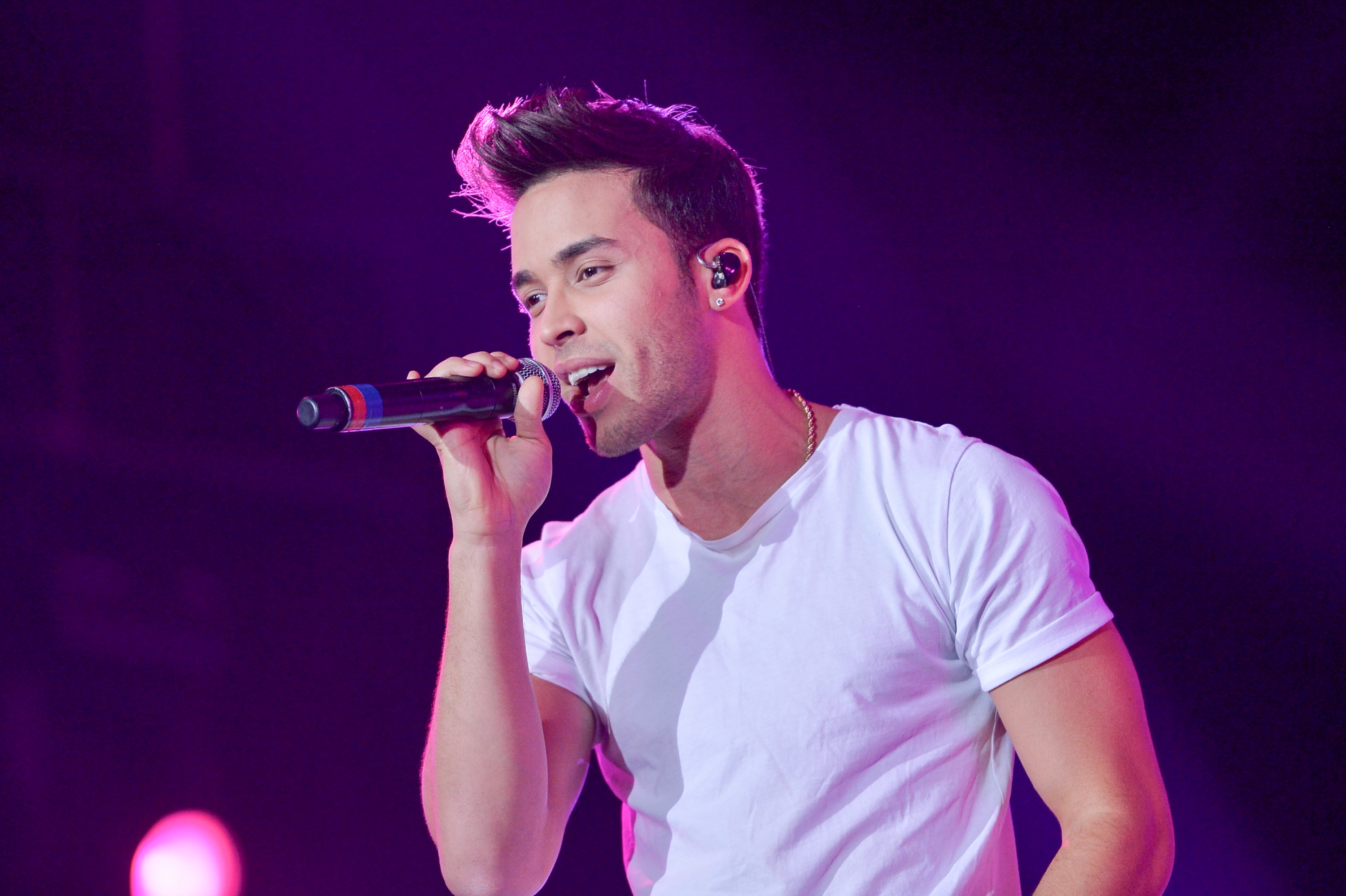 Prince Royce Wallpapers Images Photos Pictures Backgrounds