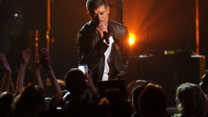 Robin Thicke Widescreen