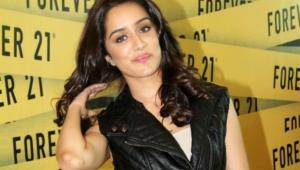 Shraddha Kapoor Hd Background