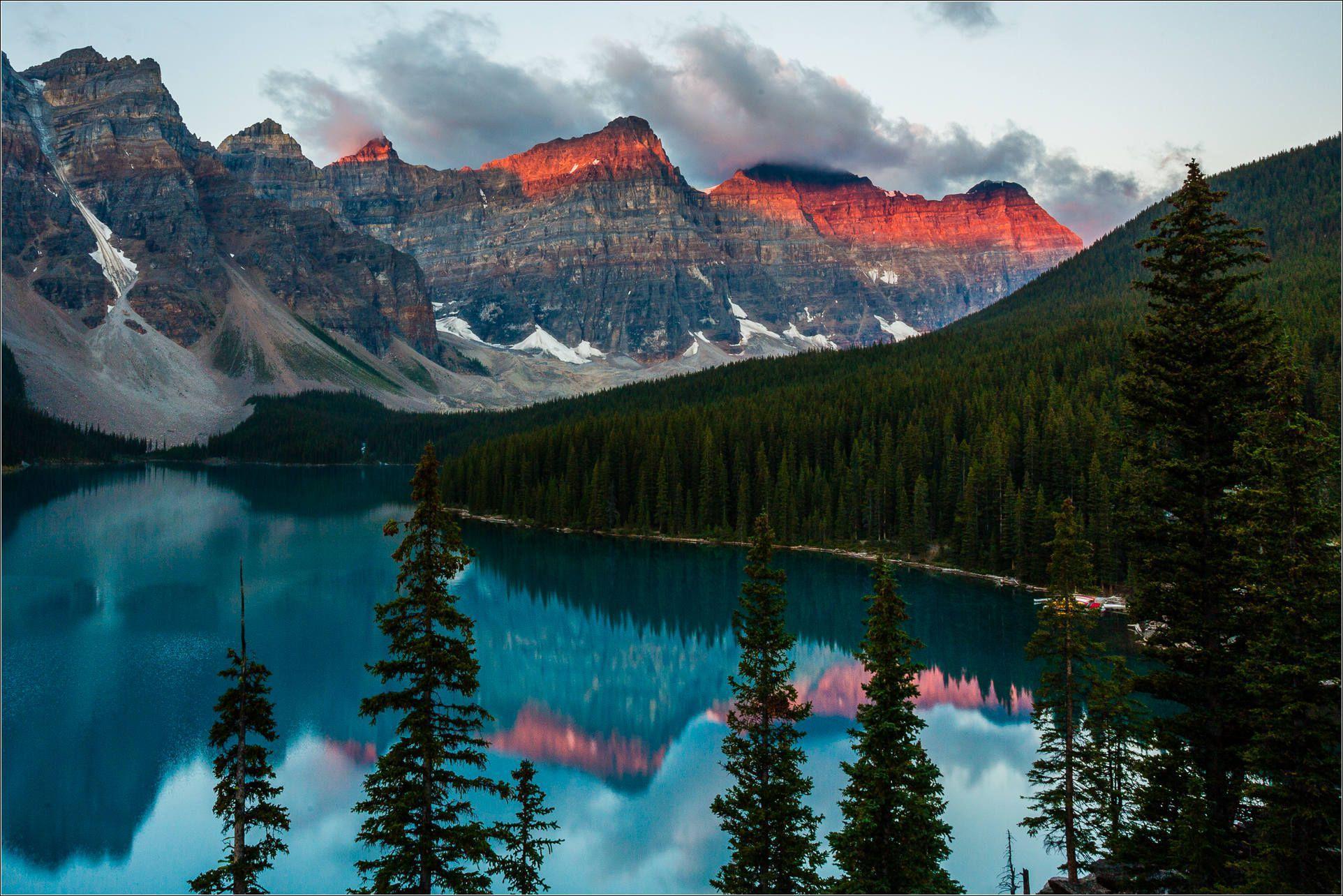 Valley Of Ten Peaks Desktop