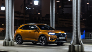 DS 7 Crossback Background