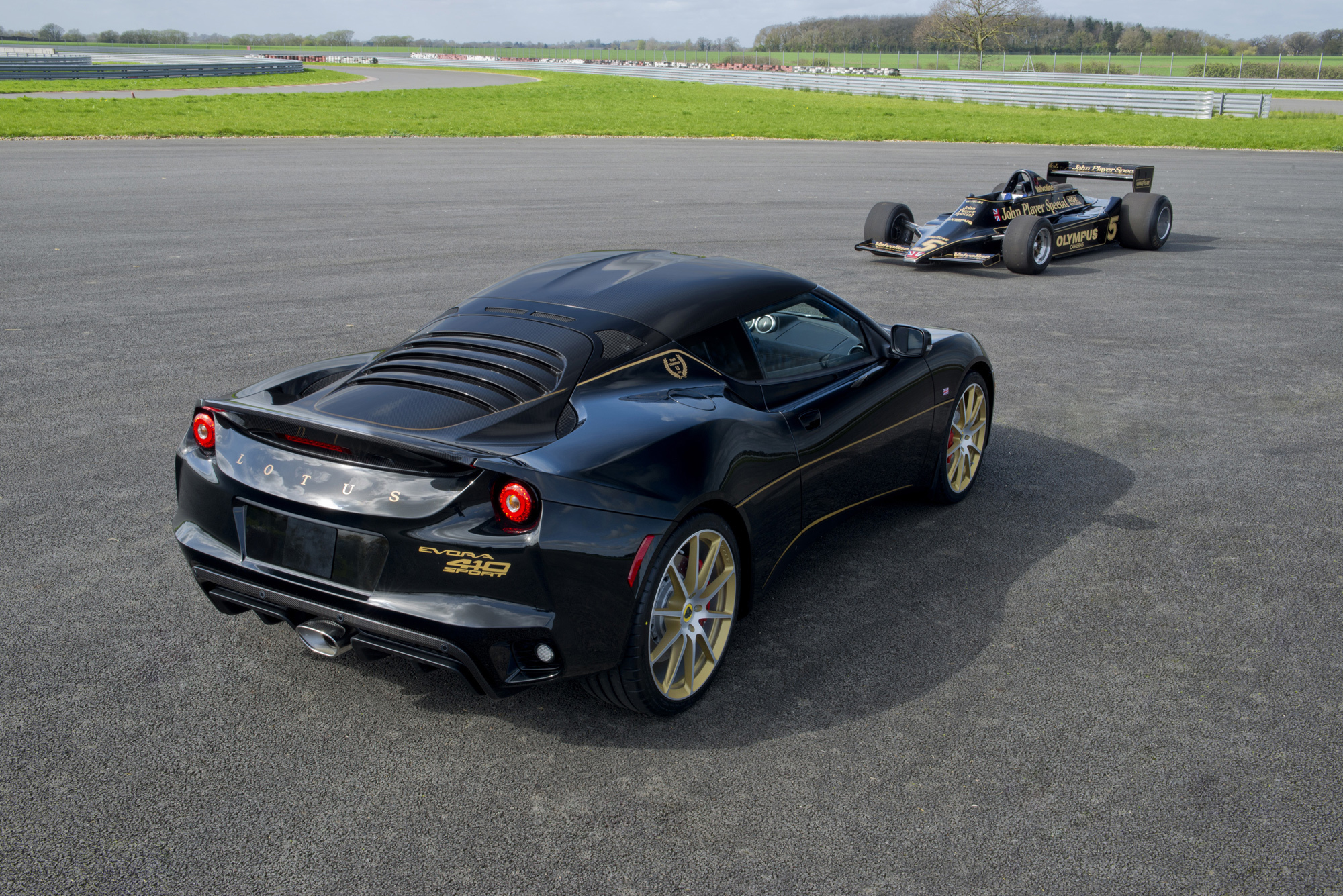 Lotus Evora Sport 410 Gp Wallpapers Images Photos Pictures