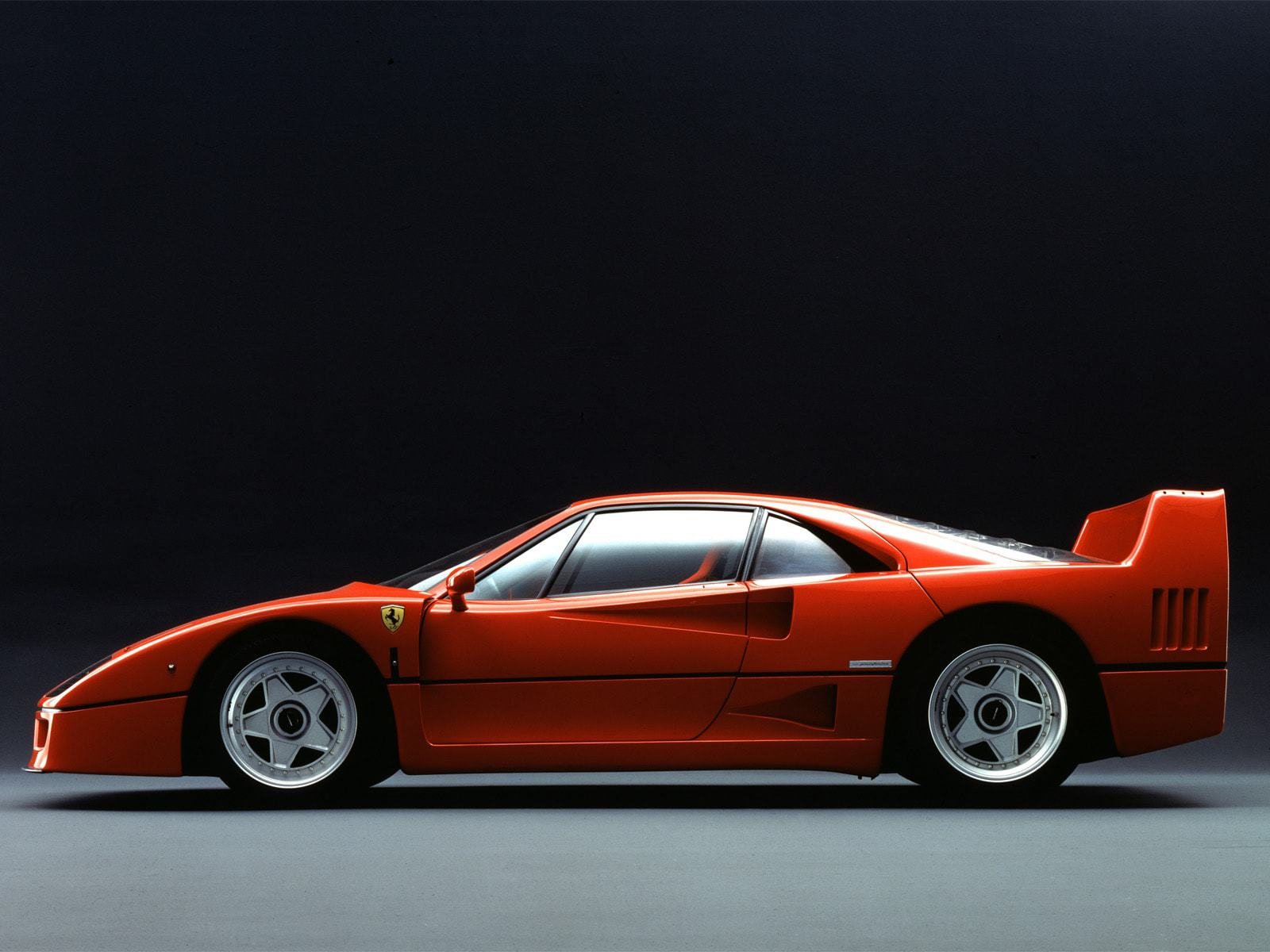 Ferrari F40 Photos
